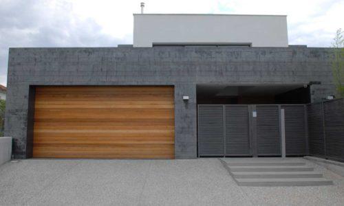 Πολύσπαστη Πόρτα – Οικιακή